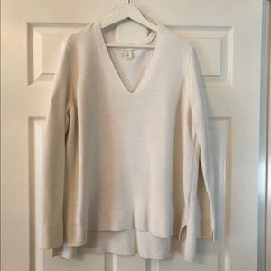 H&M Deep V Neck Knit Sweater in White. Size XL